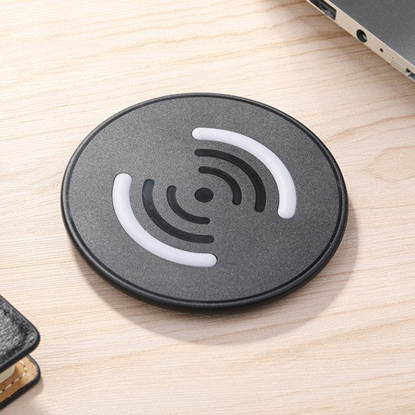 Wholesale Ultra-Slim Wireless Charger 5V / 1.5A for Qi Compatible Device (Black)